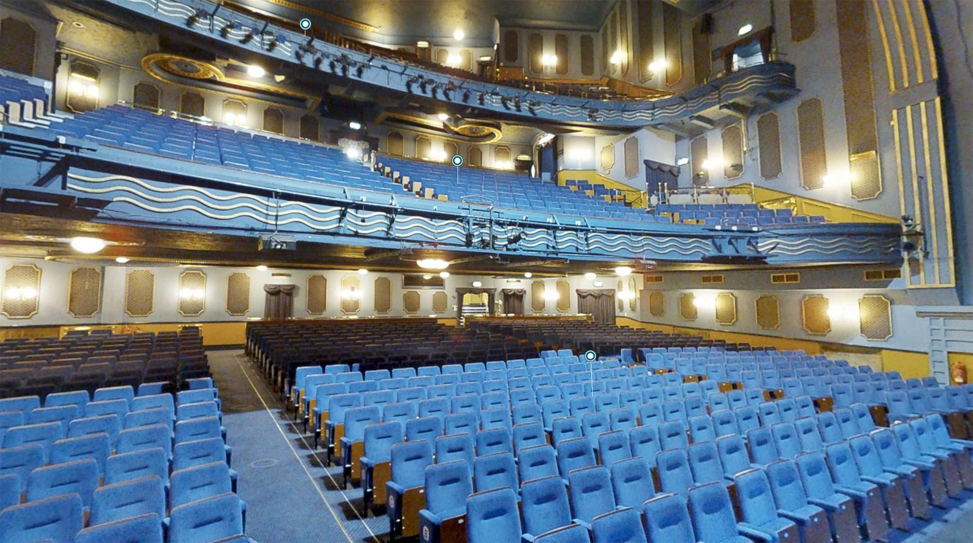 Visite virtuelle salle de theatre